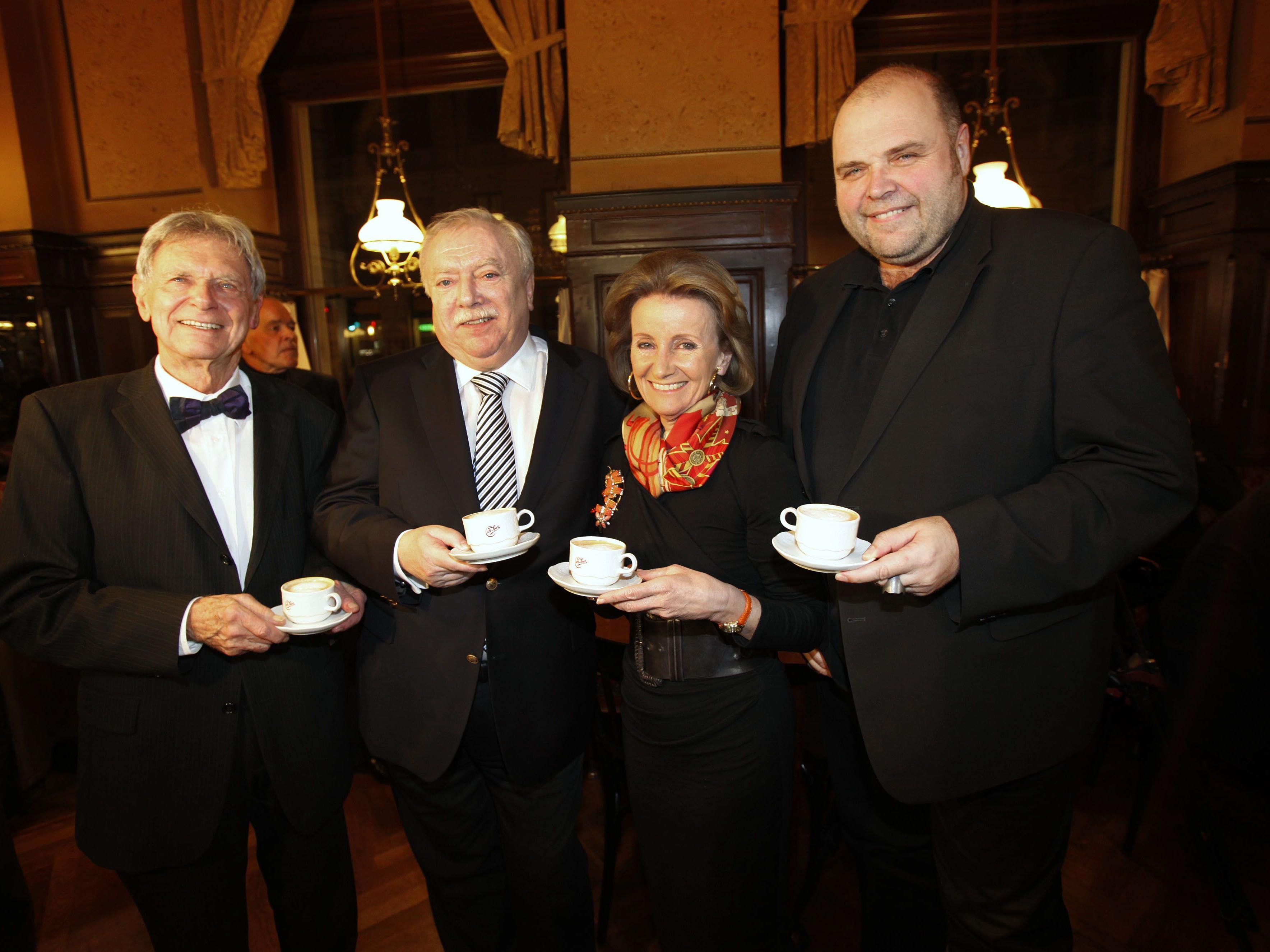 Ganz offizielle Kaffeesieder sind jetzt BM Michael Häupl und Sacher-Chefin Elisabeth Gürtler