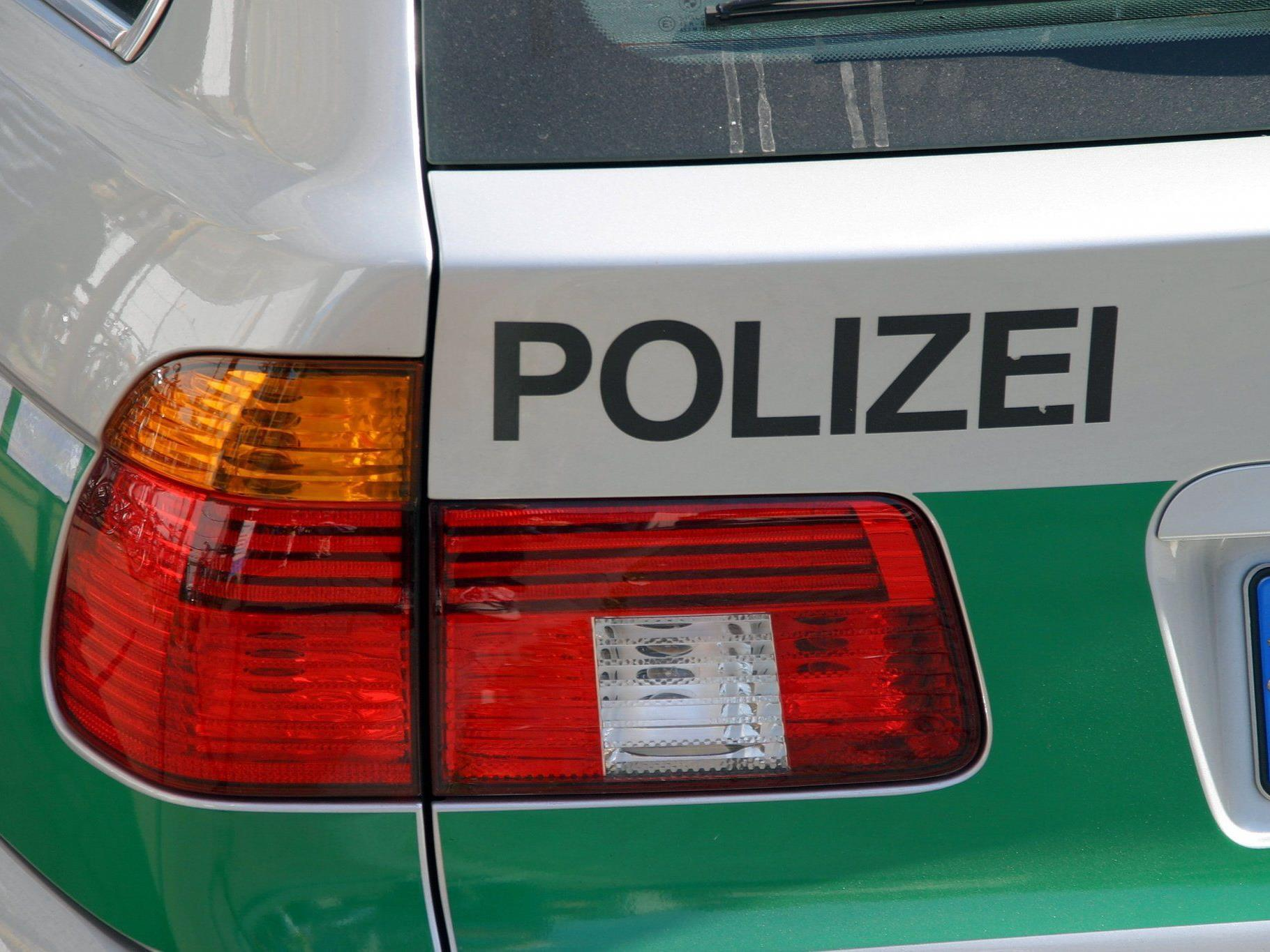 Handgranate in Spielzeugabteilung: Die Polizei musste mit einem Großaufgebot anrücken.
