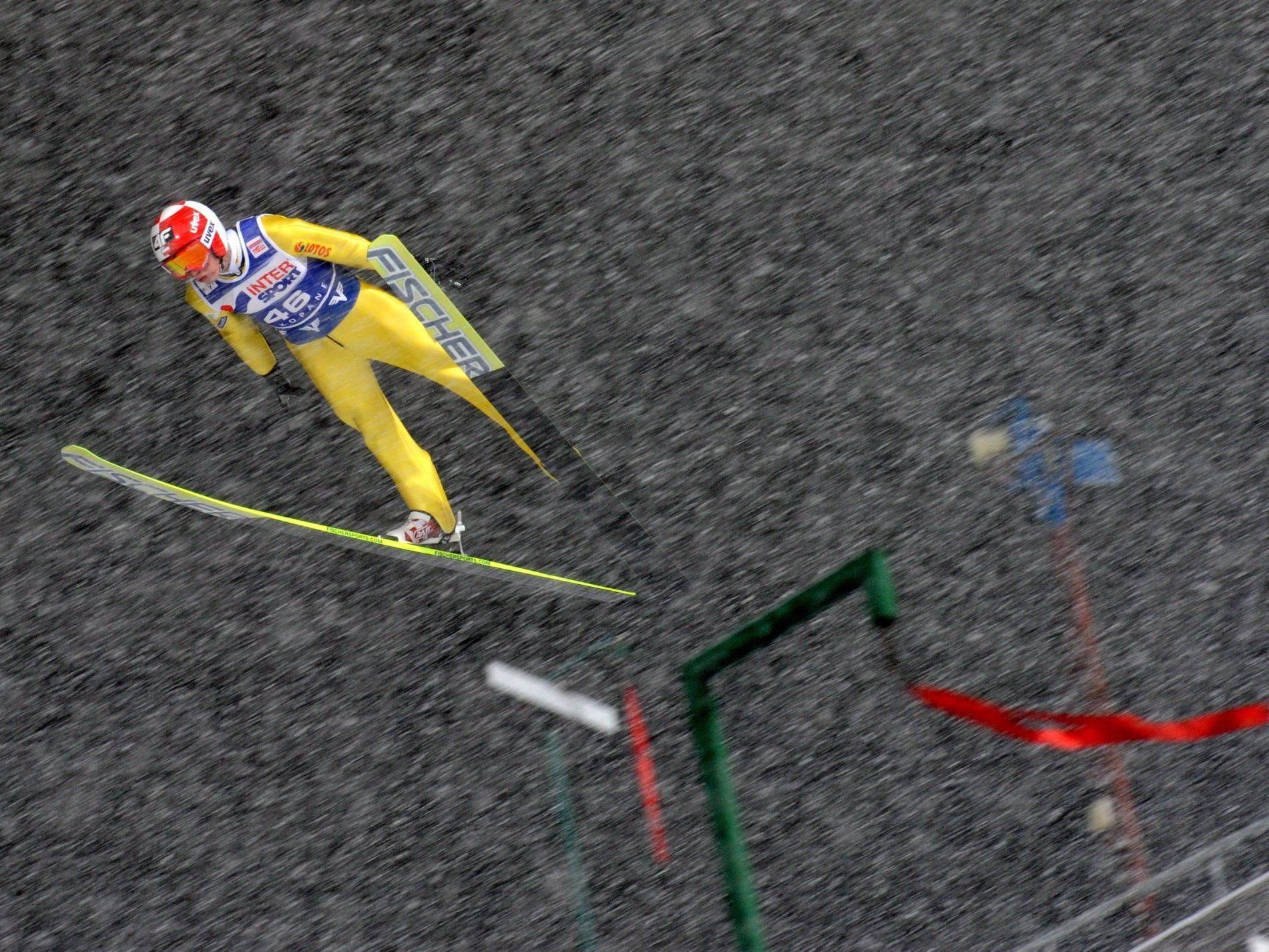 Kamil Stoch segelt zu seinem Heimsieg in Zakopane.