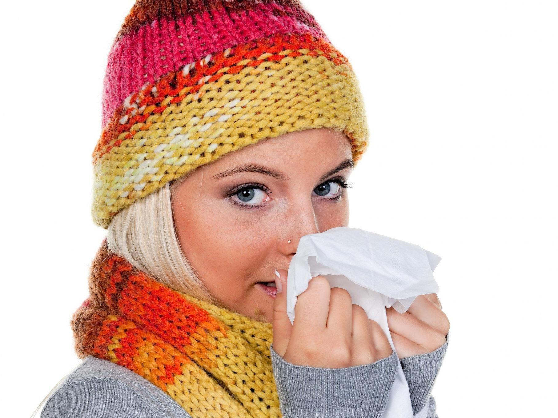Oftmals helfen natürliche Hilfsmittel eine fiese Erkältung zu bekämpfen.