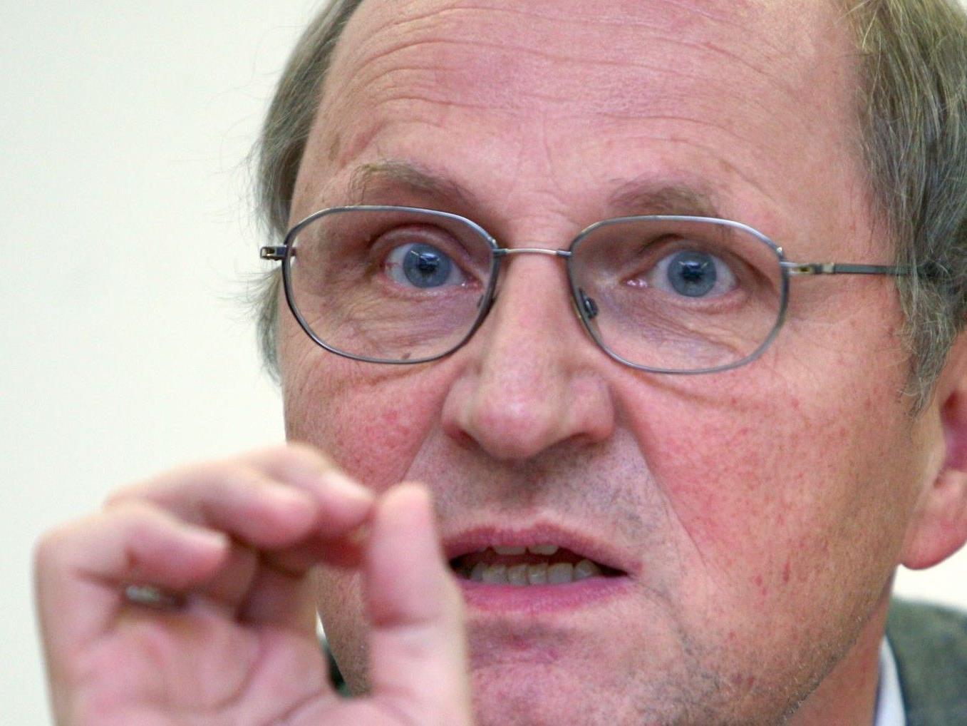WU-Rektor BADELT gegen Überbelegungen im Masterstudium