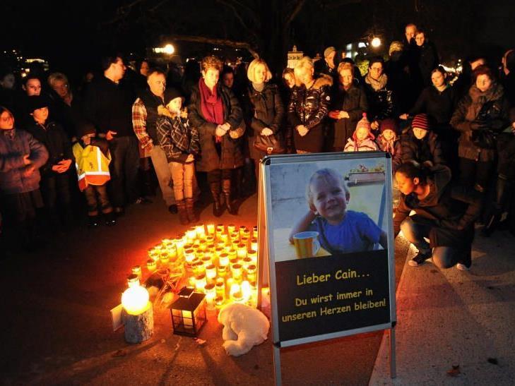 Hunderte Menschen nahmen am 14. Jänner letzten Jahres bei einer Mahnwache am Bregenzer Molo Abschied von Cain.