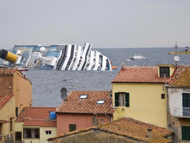"""Die 77 Österreicher, die an Bord des vor der Toskana verunglückten Kreuzfahrtschiffes """"Costa Concordia"""" waren, könnten bald mit einer Entschädigung rechnen."""