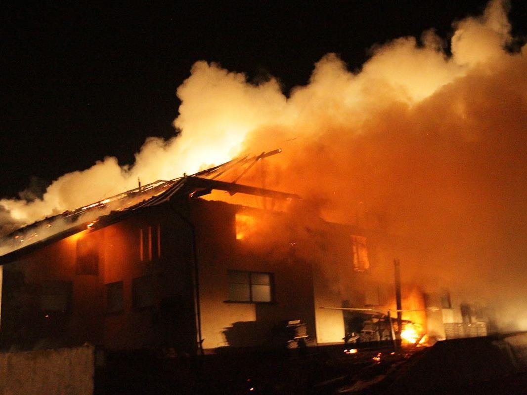 Die Brandursache ist vorerst noch unklar.