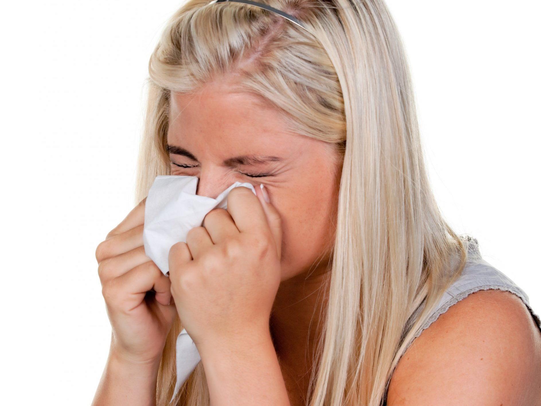 Eine Erkältung kann sehr lange dauern und anstregend sein. Deshalb sollte man sich gezielt davor schützen.