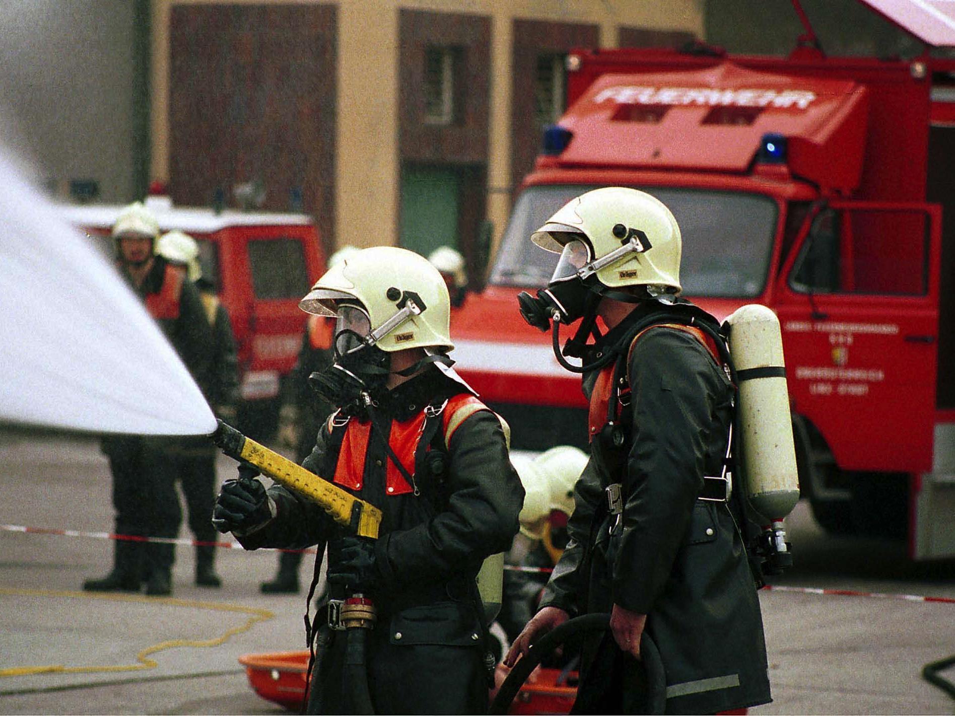 Die Wiener Feuerwehr musste in der Silvesternacht zahlreiche Brände löschen.