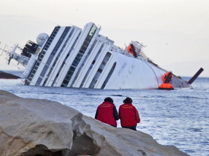 """Costa Concordia"" droht zu sinken"