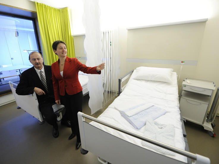 Ganz im Krankenhaus-Stil gehalten ist das neue Info-Center