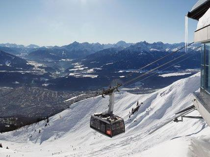 In Innsbruck stand die Talstation der Hungerburgbahn in Flammen