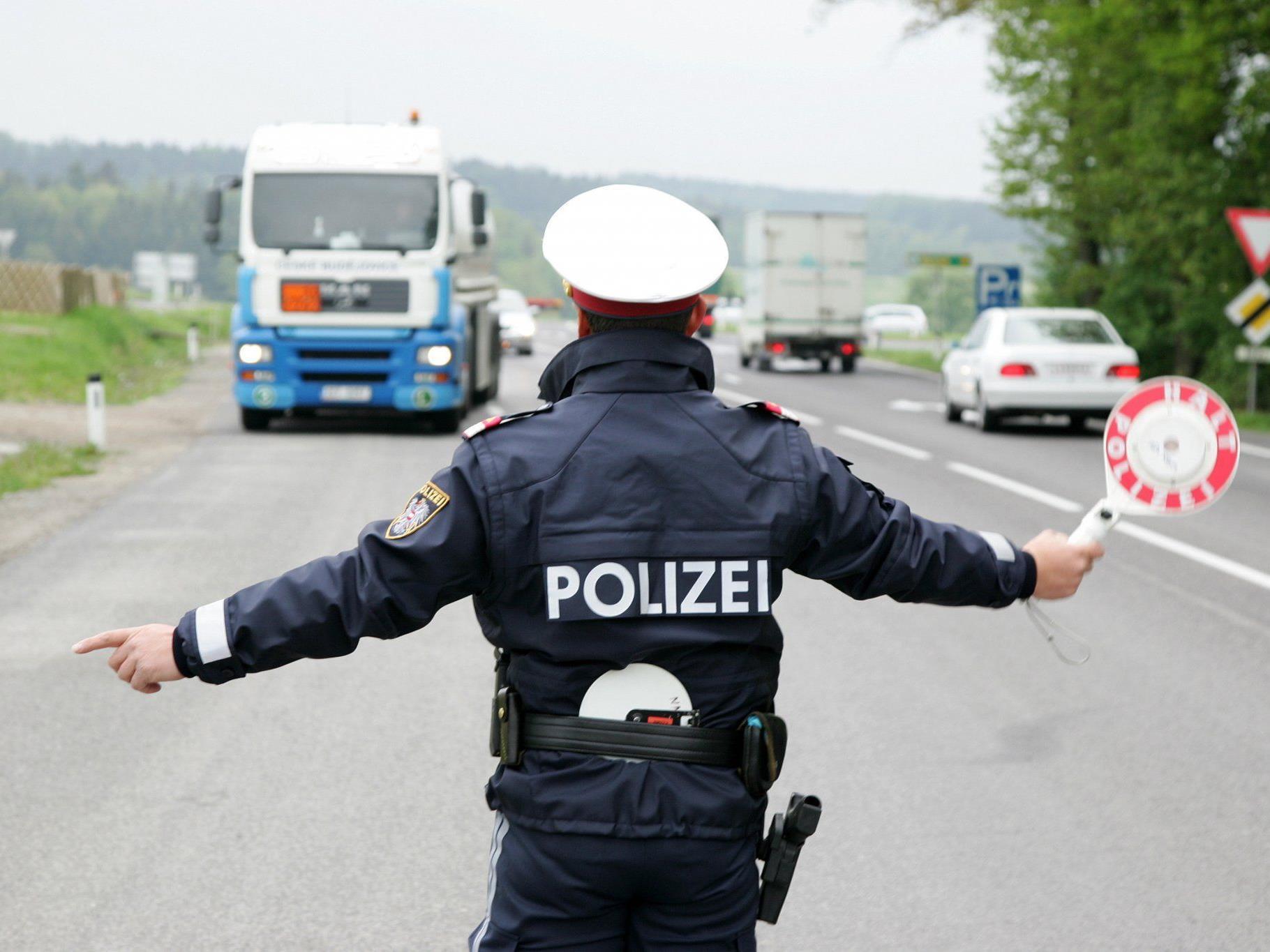 Im Burgenland wurden rund 40 Schwerfahrzeuge überprüft - es hagelte 88 Anzeigen