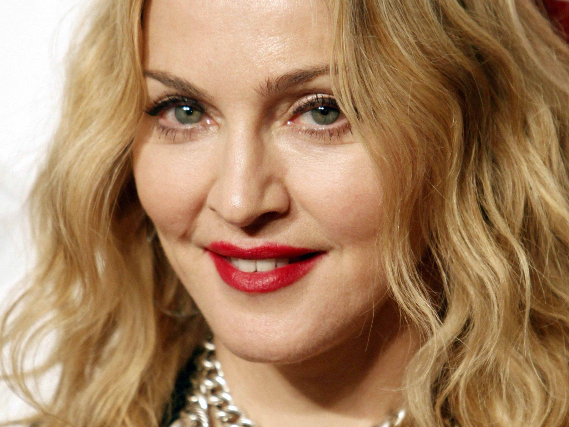 """Give me all your Luvin"": Madonna singt mit Nicki Minaj & M.I.A.."