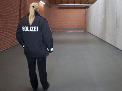 Polizistinnen laufen in Sachen Gleichberechtigung noch immer gegen eine Wand.