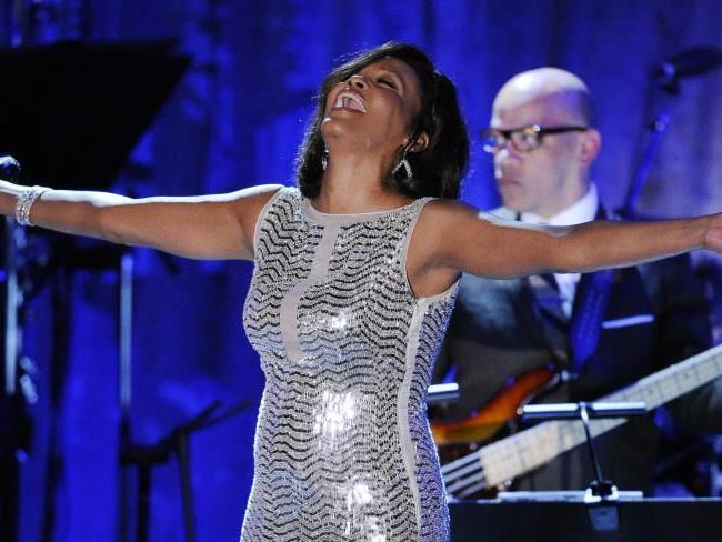 Warf Whitney Houston das Geld mit beiden Händen aus dem Fenster?