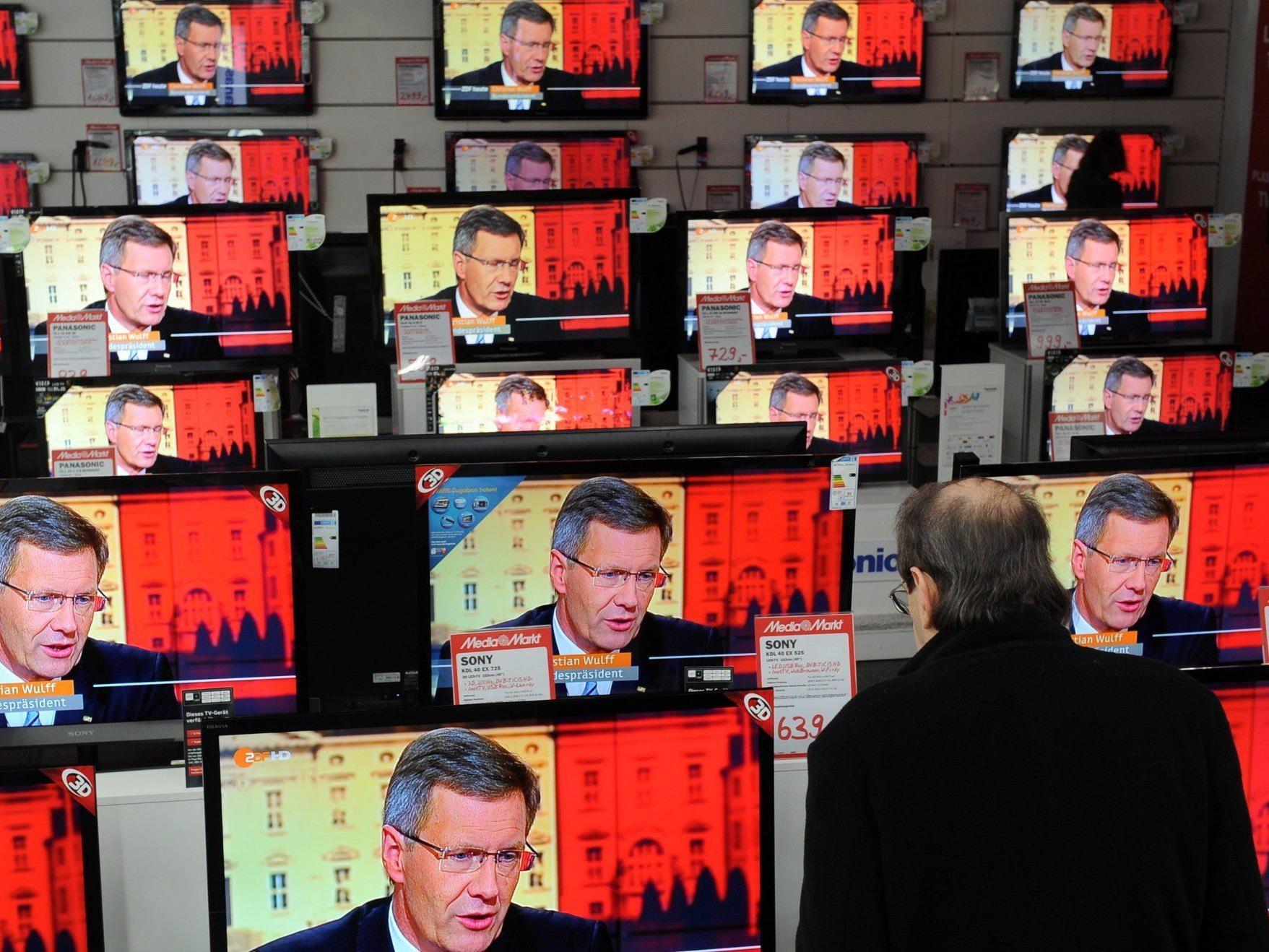 Wulff entschuldigte sich am Mittwoch im Fernseh-Interview. Einen Rücktritt lehnte er ab.