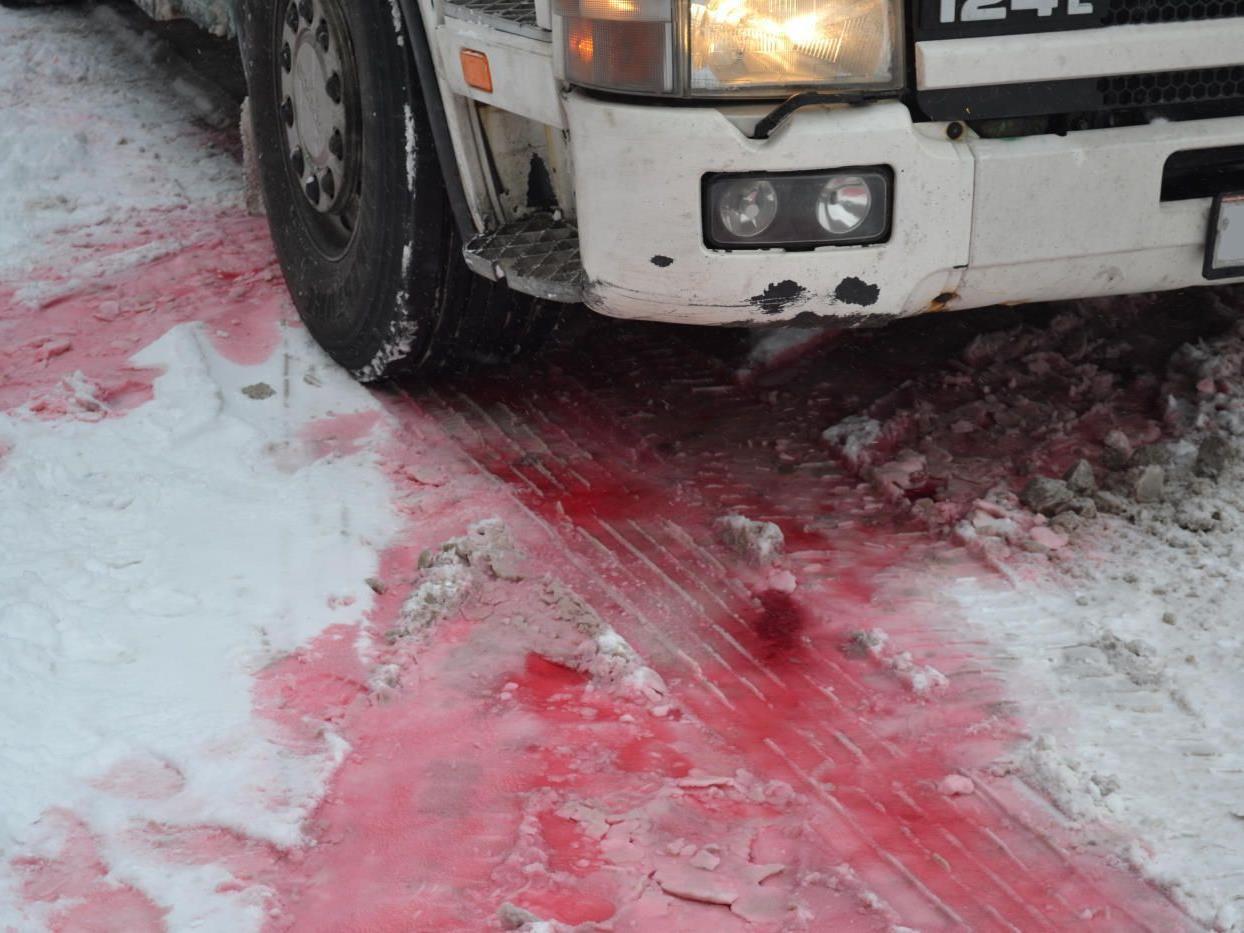 Nein, das ist kein Blut, sondern Heizöl
