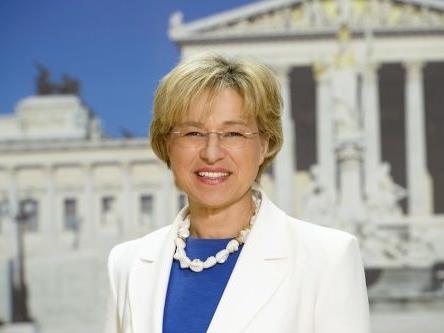 Katharina Cortolezis-Schlager