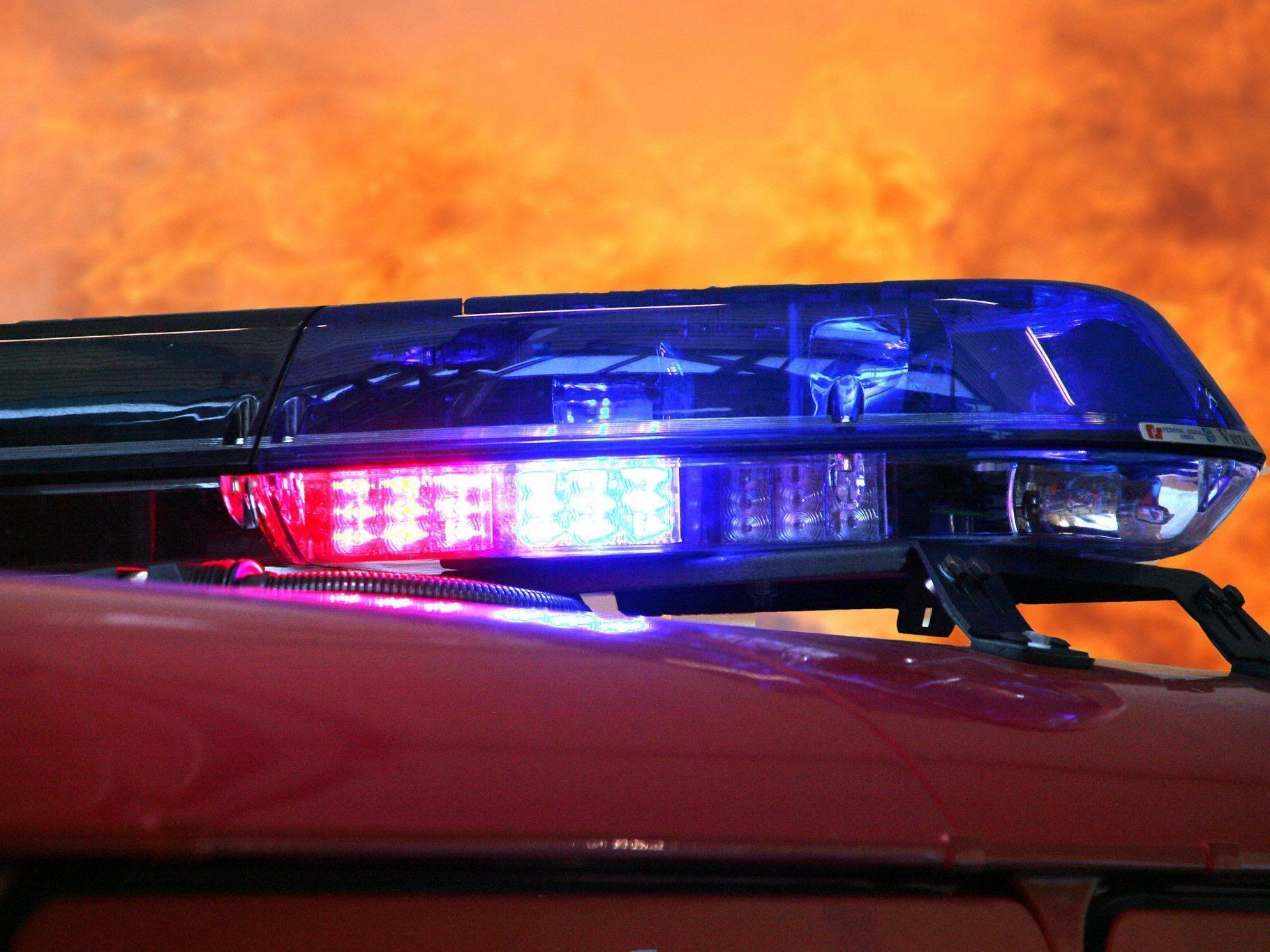 Ein Auto brannte in Penzing ganz aus