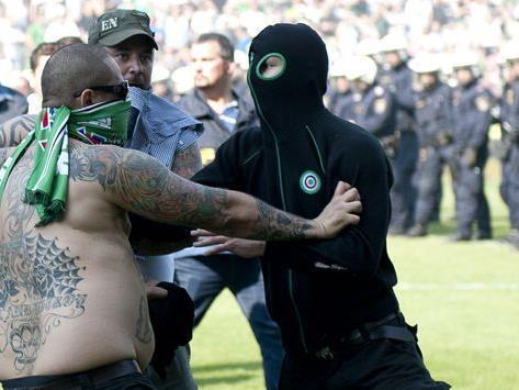 Kleine oder größere gewalttätige Auseinandersetzungen sind im Fußball leider keine Seltenheit