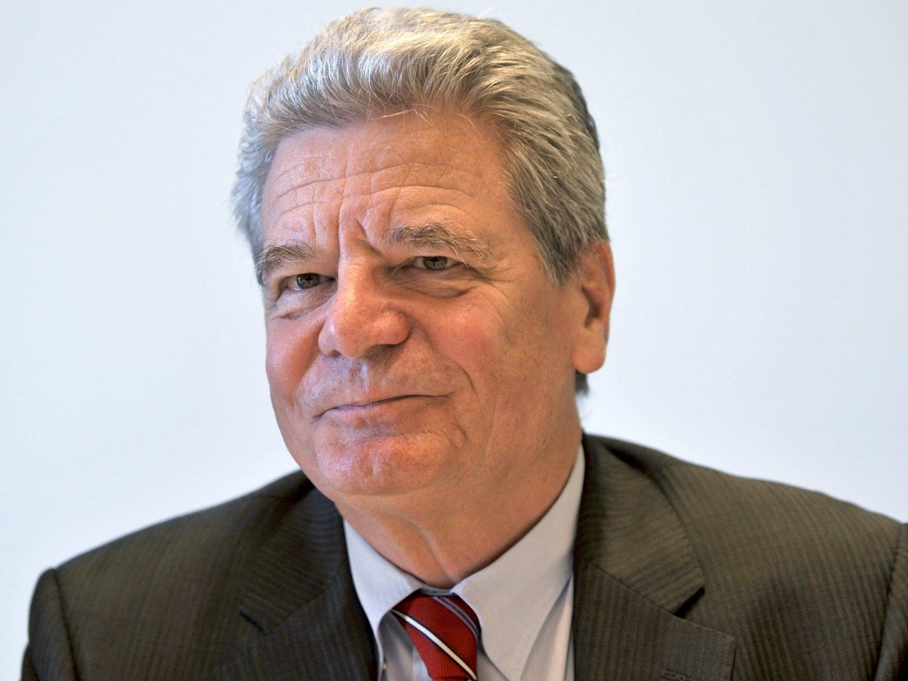 Die Kür Gaucks wird von den politischen Gegnern als schwere Schlappe Merkels gewertet.