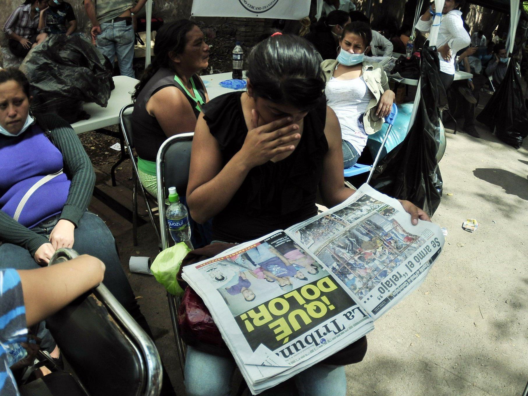 Bei dem Großbrand in einem Gefängnis von Honduras kamen Angaben zufolge 355 Menschen ums Leben.