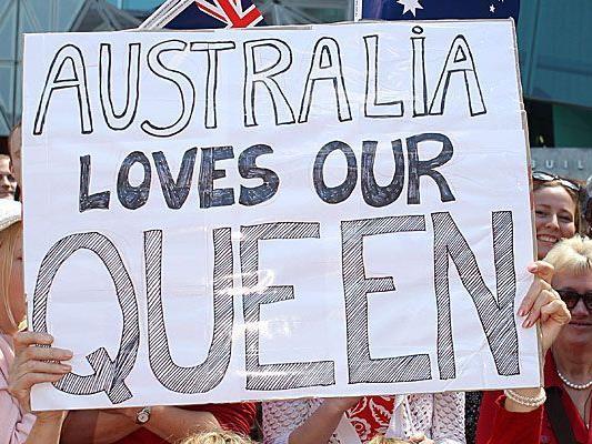 Aus Liebe hat sich der junge Mann nicht vor der Queen entblößt.