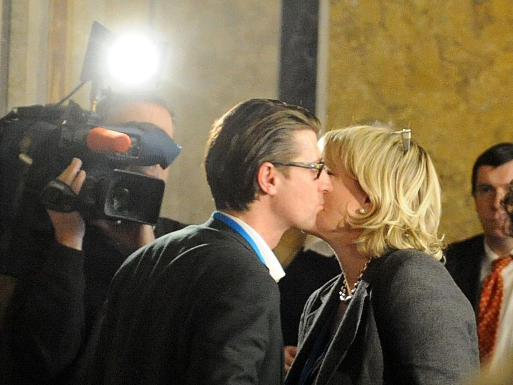 Herzliches Einvernehmen: Karin Gastinger, Ex-Justizministerin, und ihr Pressesprecher Christoph Pöchinger.