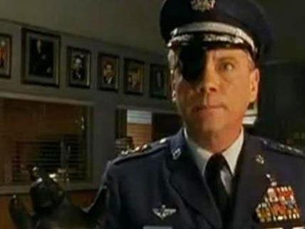 Daniel von Bargen, hier im Bild in seiner Rolle als Kommandant Spangler.