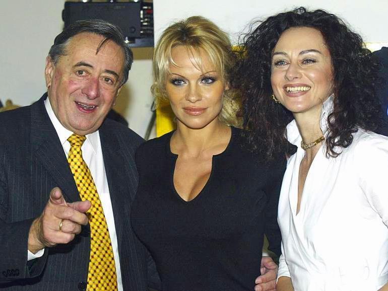 Lugner, Pamela Anderson und 'Mausi' im Jahr 2003
