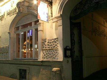 Das gasthaus Hopfhaus in Wien-Donaustadt bietet Obdachlosen Speis und Trank.