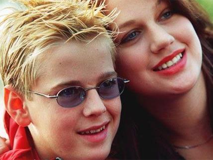 Leslie Carter, hier im Bild mit ihrem kleinen Bruder Aaron Carter.
