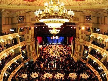 5.150 Gäste werden heuer am Opernball erwartet. Darunter zahlreiche Stars und Sternchen.