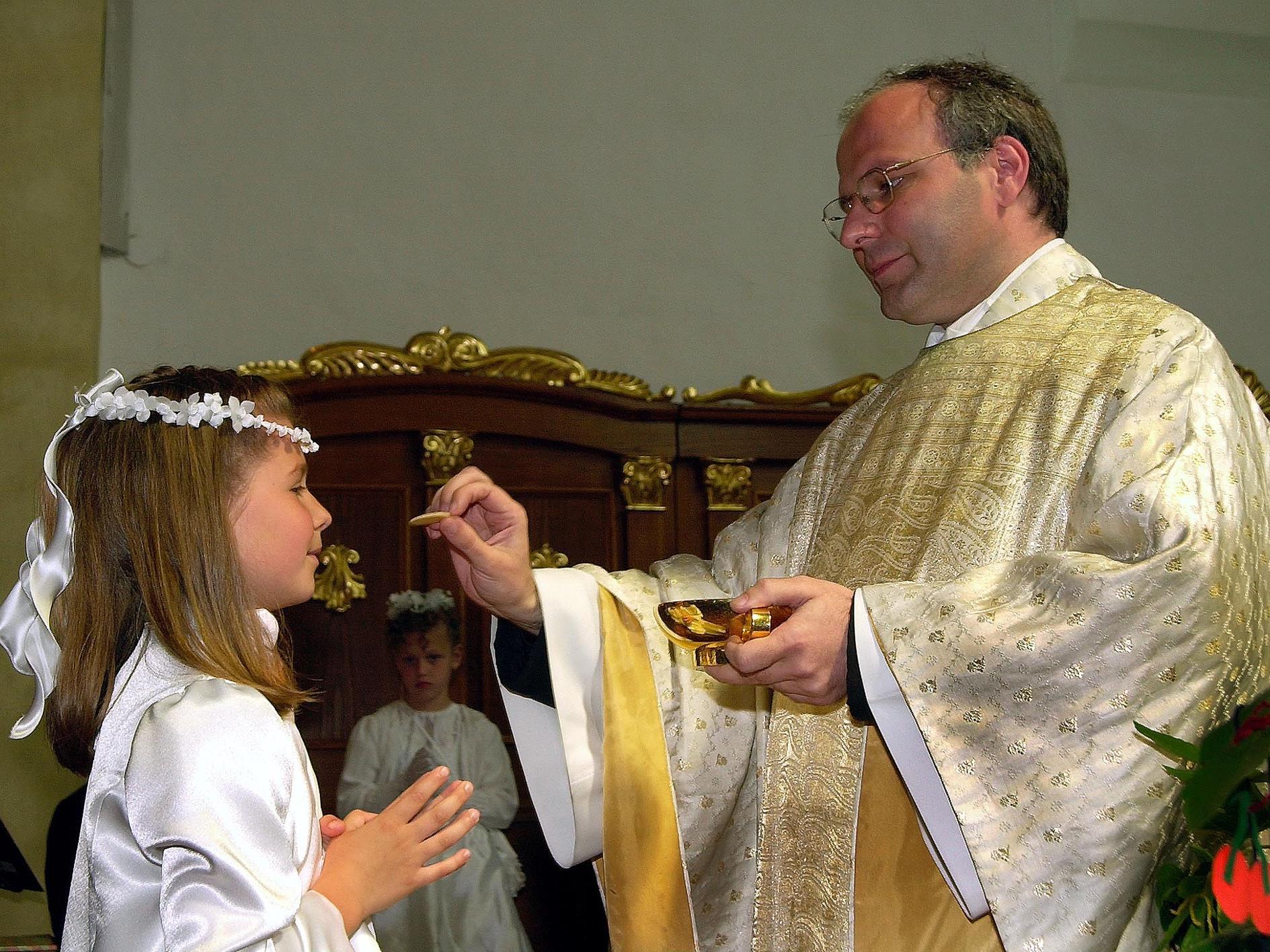 Die öberösterreichische Gemeinde will ihren Pfarrer mit einer Zeitungsannouce finden.