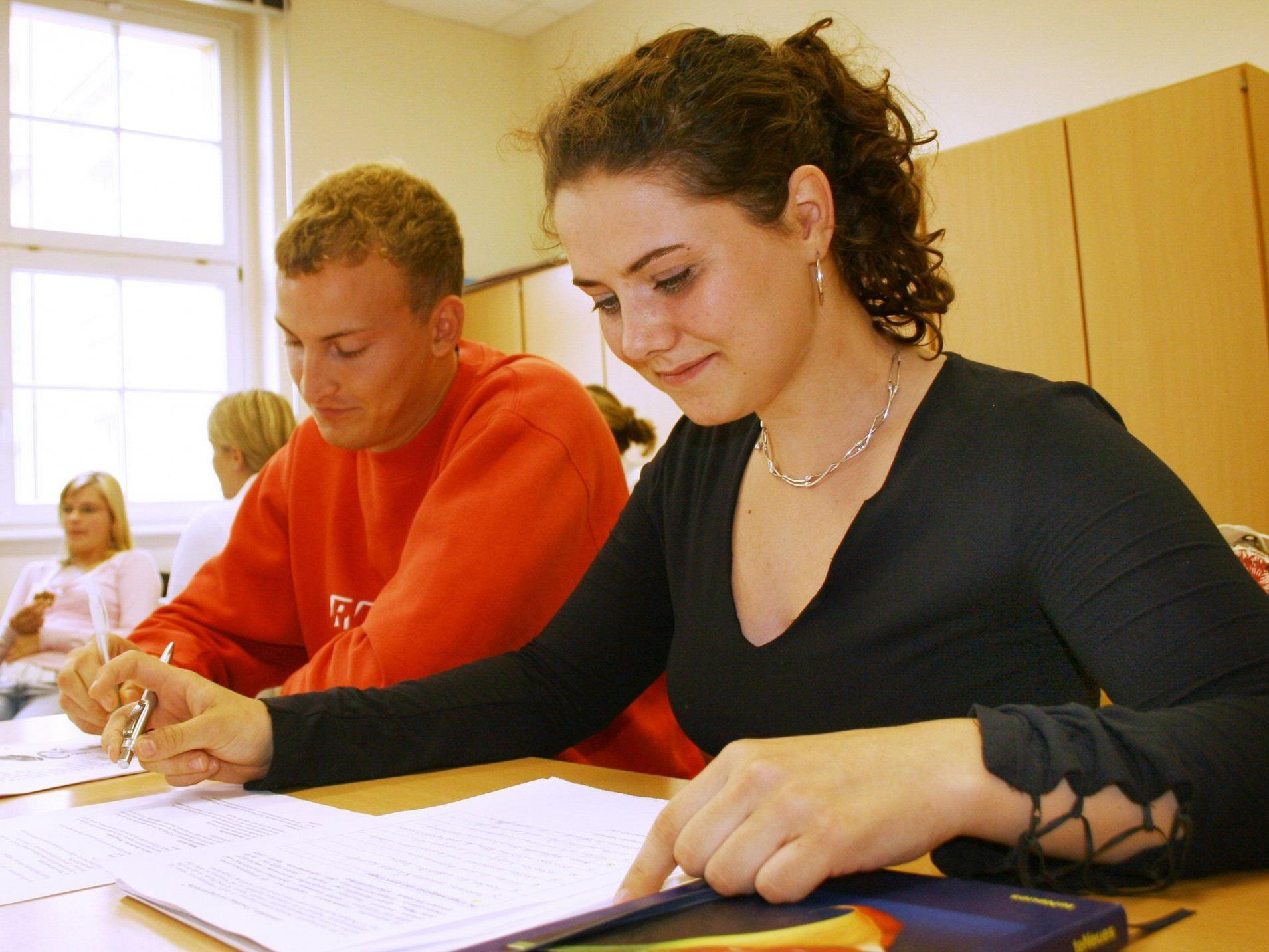 Rat und Hilfe zum Umstieg zwischen Schule und Beruf gibt es in den Wiener Jugendzentren