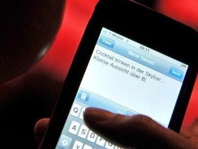 Studie: Facebook und Twitter machen süchtiger als Zigaretten oder Alkohol