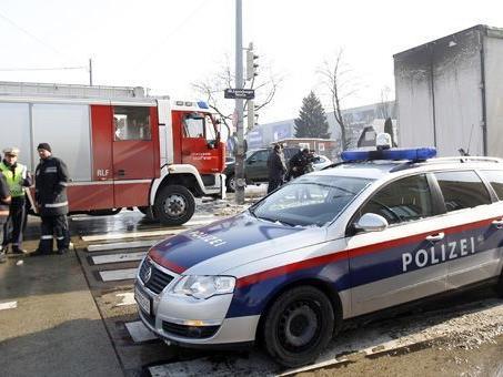Der Lenker des Lkw konnte nach dem Unfall in Wien-Favoriten noch nicht befragt werden.