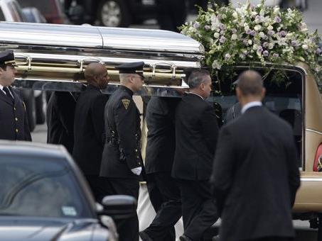 Am Samstag verabschiedeten sich zahlreiche Promis, Freunde und Verwandte von Whitney Houston.