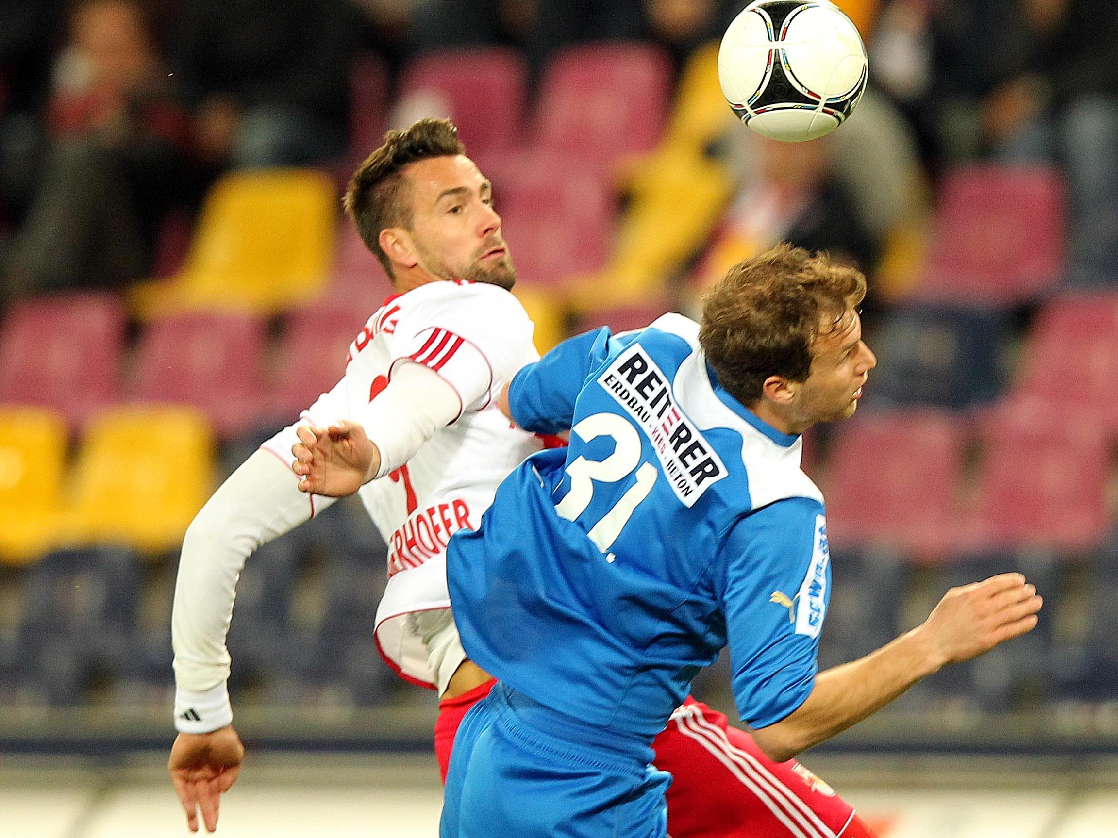 Vor lediglich 4800 Zuschauern besiegte Red Bull Salzburg die Wiener Neustädter.
