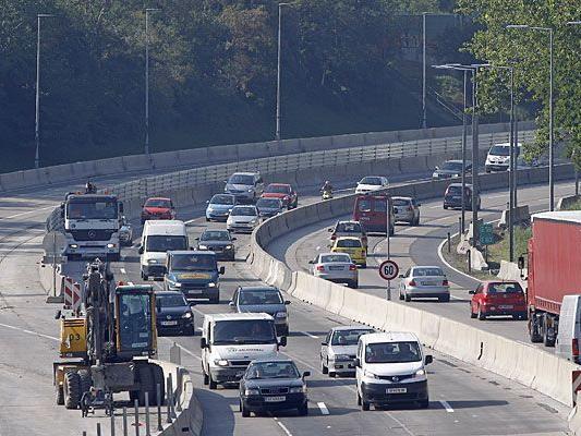 Der Autobahn-Polizist stand in Korneuburg vor Gericht, weil er Langsamfahrer fälschlich anzeigte