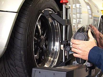 Lassen Sie an Ihrem Auto regelmäßig eine Fahrwerksüberprüfung durchführen