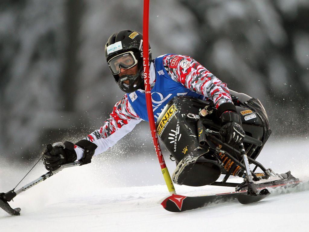 Bonadimann holt Sieg im Slalomweltcup der sitzenden Herren.
