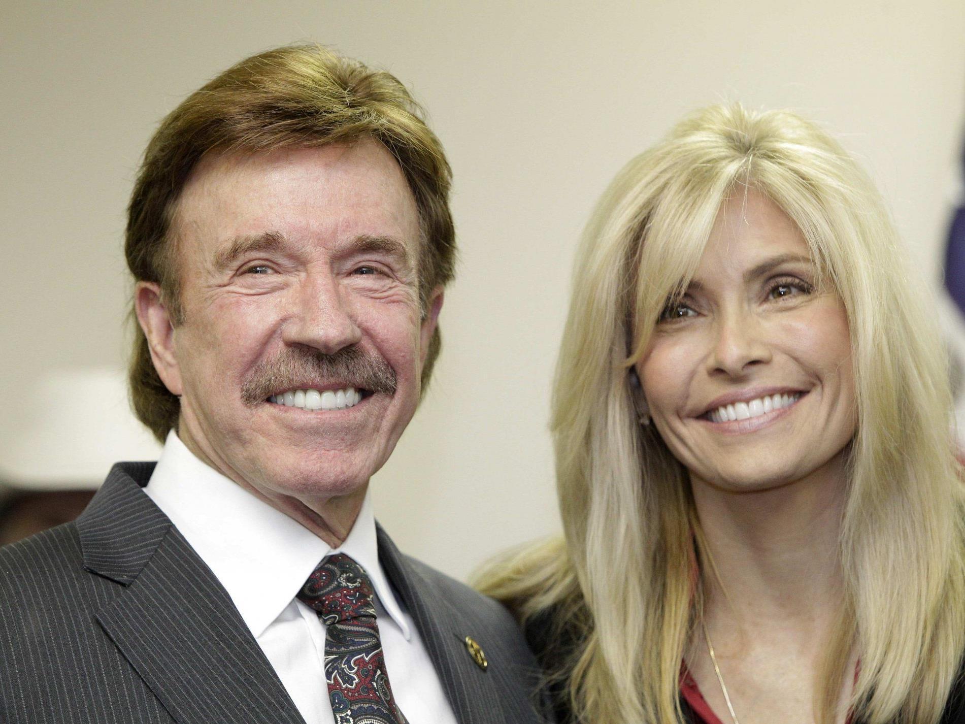 Chuck Norris und seine Frau Gena O'Kelley im Dezember 2010.