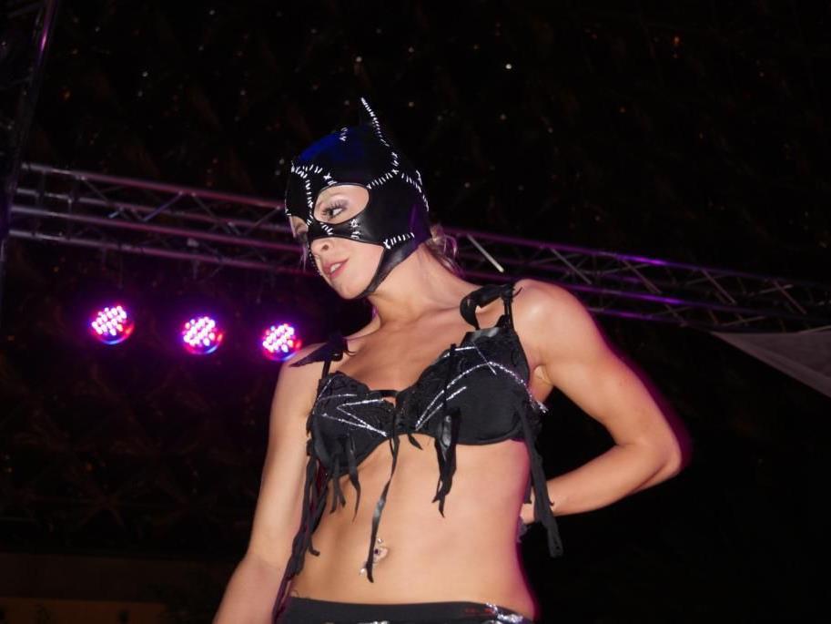 Fehlt der Funke im heimischen Schlafzimmer? Bei der Erotikmesse 2012 in der Pyramide Vösendorf gab's Abhilfe!