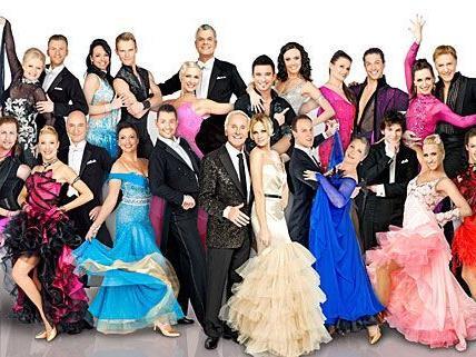 Das komplette Dancing Stars Team fiebert schon dem Freitag entgegen