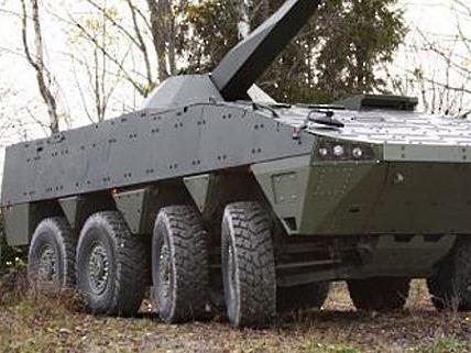 Ein Patria-Radpanzer. Um dieses Fahrzeug dreht sich der Patria-Prozess.