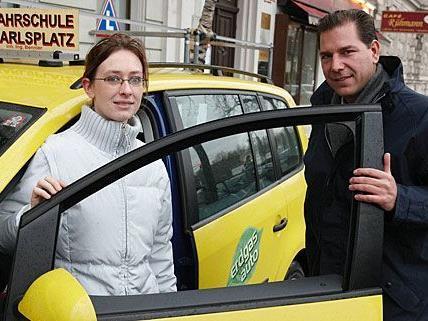 Ein umweltfreundliches Erdgasauto, von denen es in der Fahrschule Karlsplatz nun zahlreiche gibt
