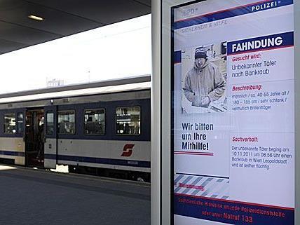 Seit Jänner 2012 werden Fahndungsfotos auf Screens auf Wiener Bahnhöfen gezeigt