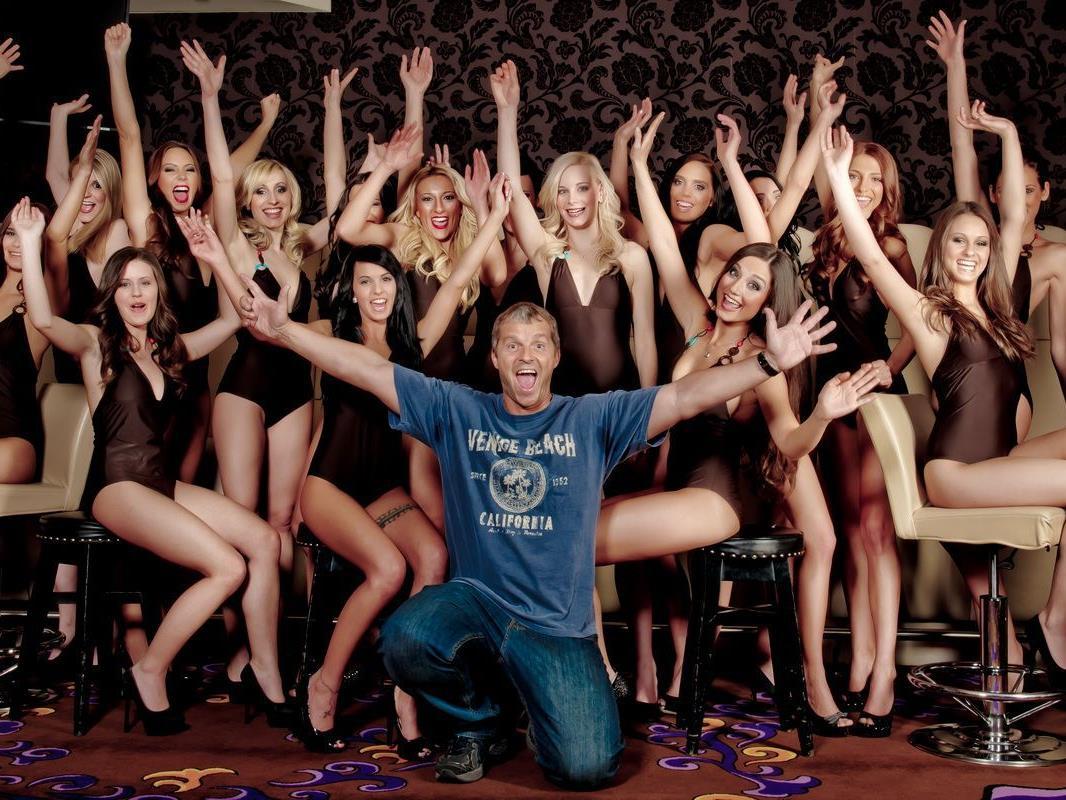 Manfred Baumann nahm die Kandidatinnen der Miss Austria Wahl 2012 unter die Lupe.