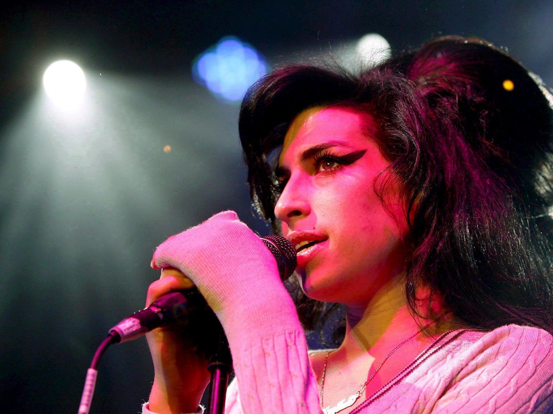 Mitch Winehouse ist der Meinung, dass seine Tochter Amy zu wenig aufgeklärt wurde..