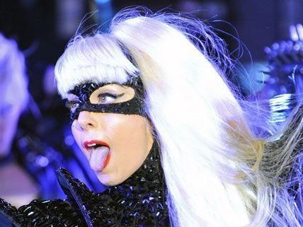 Lady Gagas Erfolg ist nicht zu bremsen, jetzt ist sie auch auf Twitter die Nummer Eins.