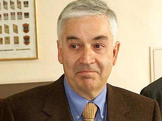 Der ehemalige Finanzminister Franz Löschnak gehören 26 Prozent der Alizee-Bank.